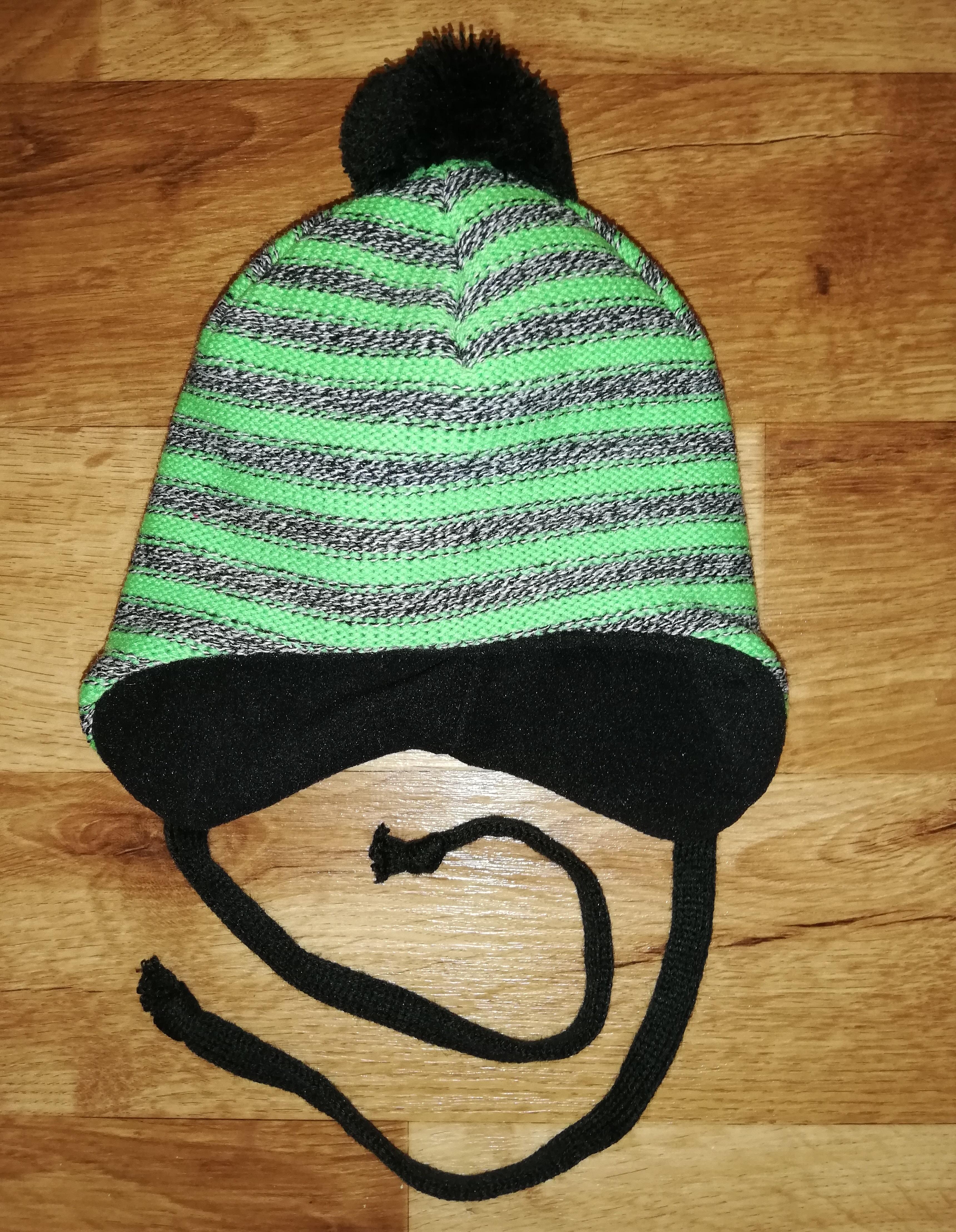 Dětská zimní čepice vel. 3 S (42 - 44) - Šedo-zelené pruhy s bambulí Yetty 8b3dd41991