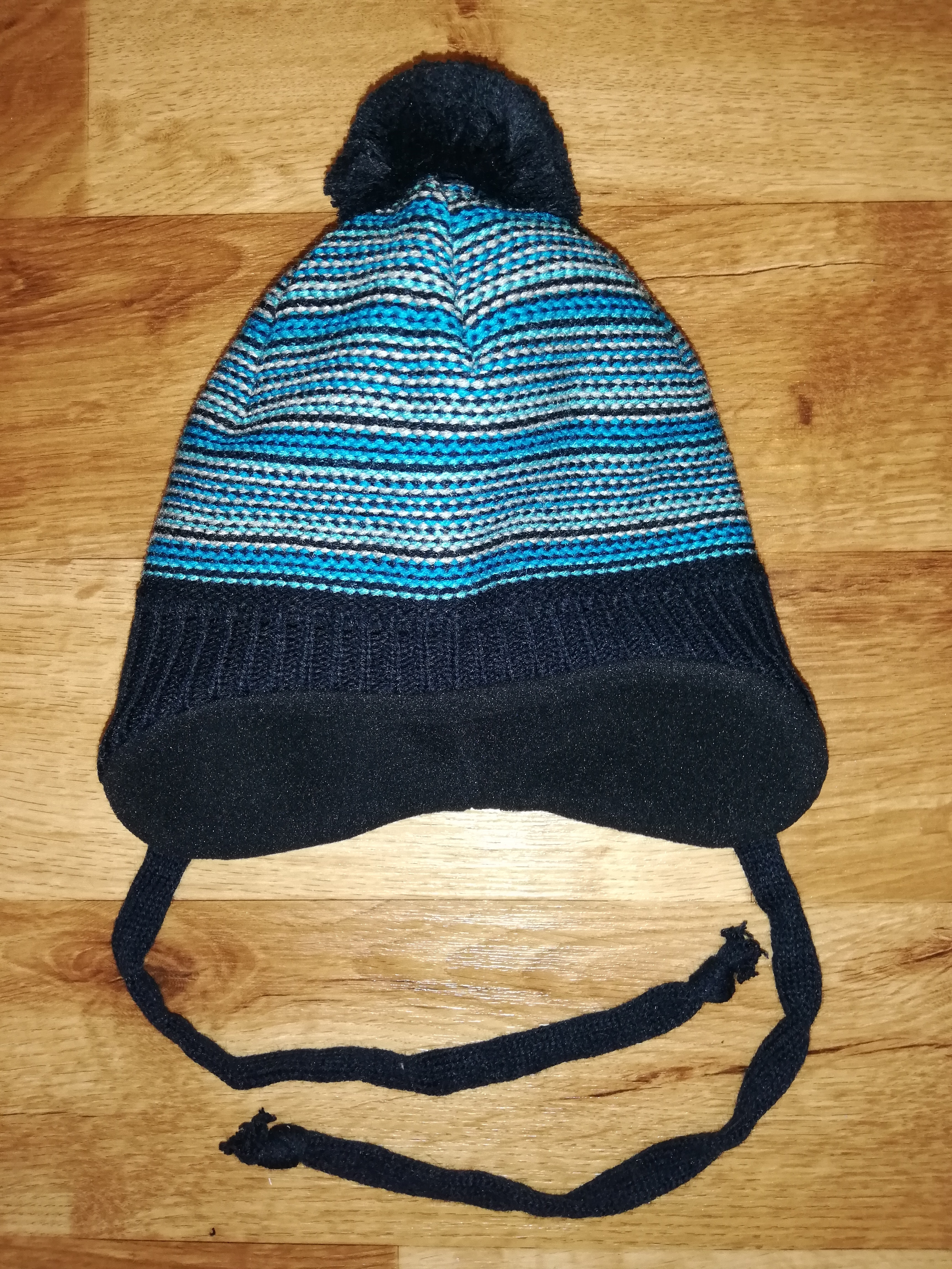Dětská zimní čepice vel. 3 S (42 - 44) - Modrá s nápletem a bambulí Yetty d604fb092d